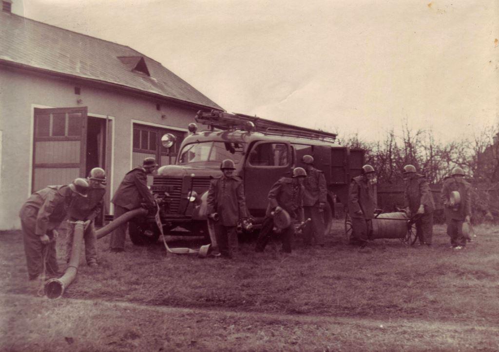 Požární automobil Praga RN.